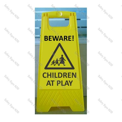 CYO|WG98N - Beware Children at Play Sign